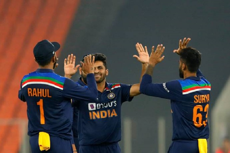 Cricket: India defeats England in 4th T20I