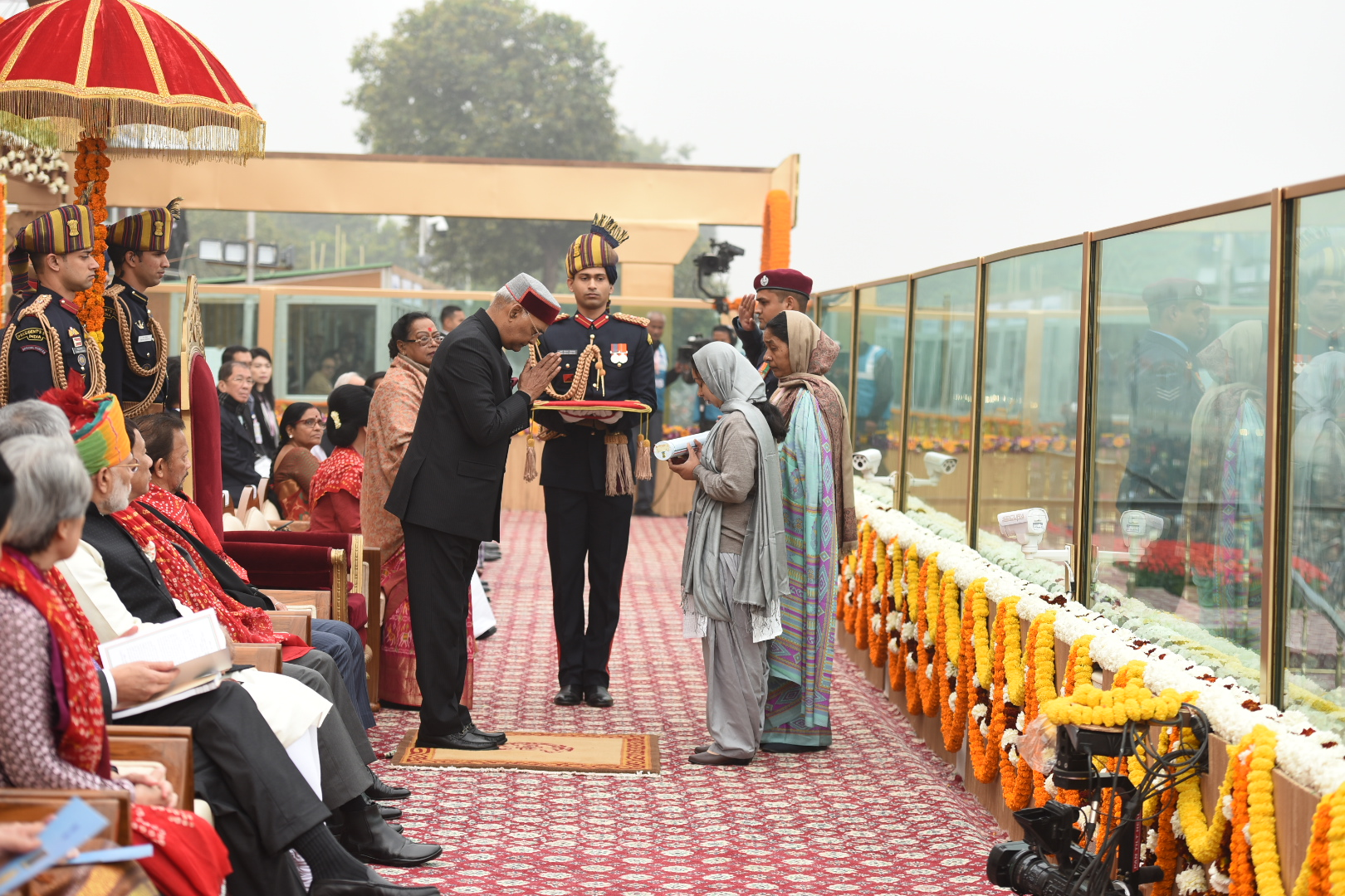 President awards Garud commandokilled in J&K with Ashok Chakra