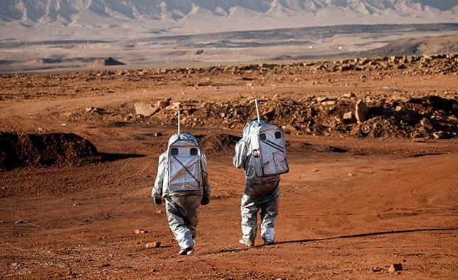 In a rocky Israeli crater, scientists simulate life on Mars