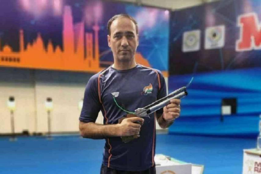 पुरुषों की 10-मीटर एयर पिस्टल स्पर्धा के फाइनल में सिंहराज अधाना ने जीता कांस्य पदक