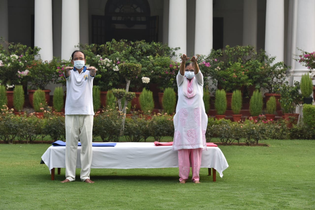 Vice President appeals to the people to make Yoga part of their daily lives