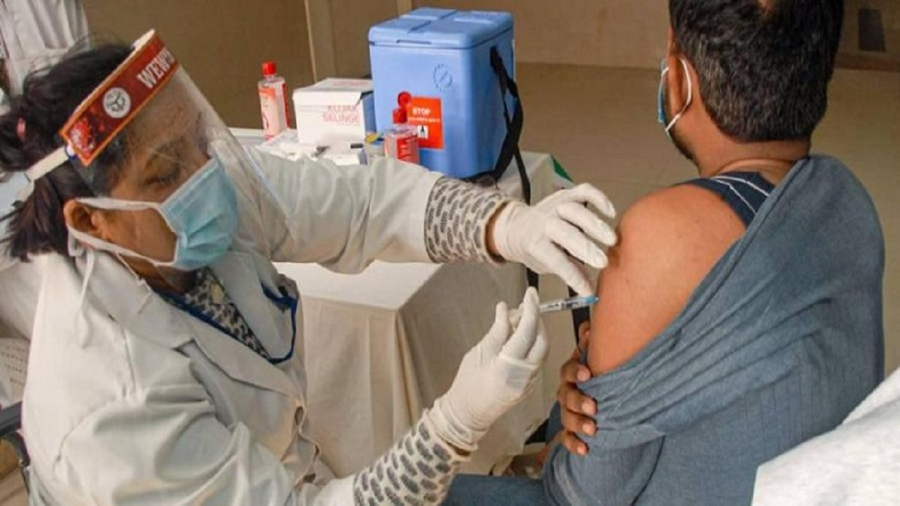 भारत में कोविड-19 का कुल टीकाकरण कवरेज 83 करोड़ के ऐतिहासिक आंकड़े के पार