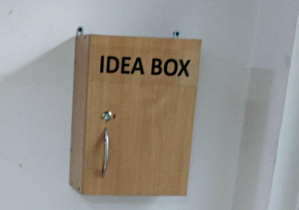 New Ministry of Health: Idea box on each floor