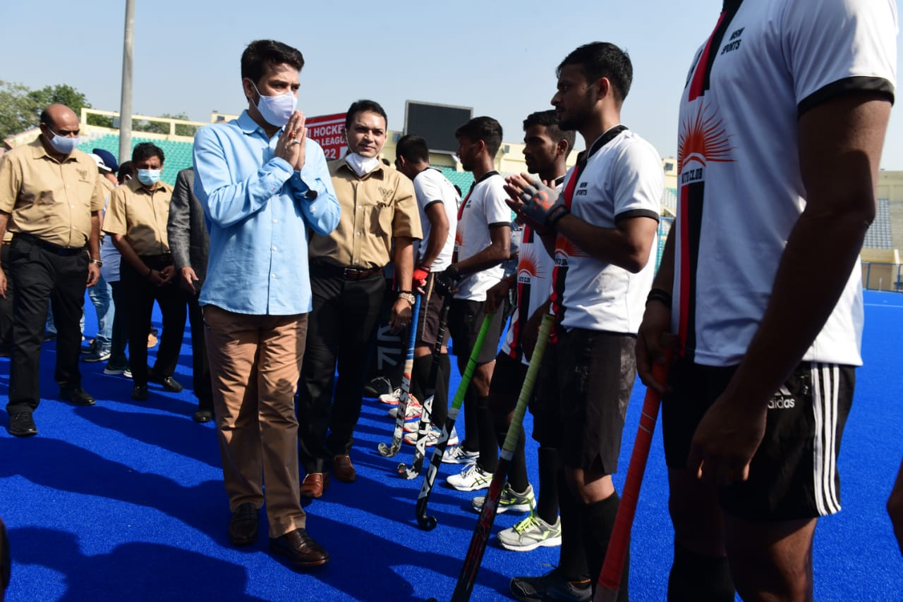 Sports Minister Anurag Thakur questions Hockey India on CWG