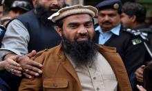 पाकिस्तान की अदालत ने लश्कर-ए-तैयबा के टॉप कमांडर ज़कीउर रहमान लखवी को सुनाई 15 साल की सज़ा