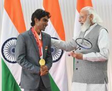 बैडमिंटन खिलाड़ी प्रमोद भगत का पैरालंपिक गोल्ड, अनथक परिश्रम की कहानी