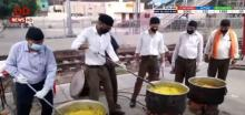 Over 400 RSS workers engage in providing food and water at Moradabad station