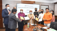 Agriculture Ministry signs MoU with Microsoft for a pilot project in 100 villages of 6 states to raise farmers income