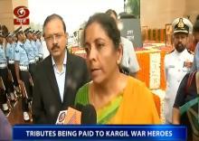 Defence minister pays tribute to Kargil war heroes