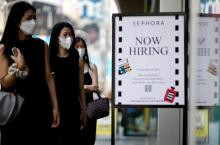 U.S. job growth takes giant step back as Delta variant hits restaurants