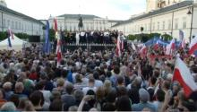 Thousands protest in Poland against court reorganisations